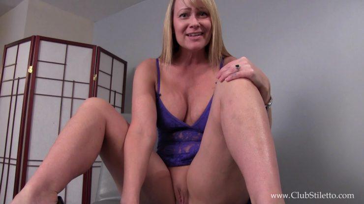 Club Stiletto Mistress Kandy: 24/7 Pussy and Ass slave – TOILET SLAVERY